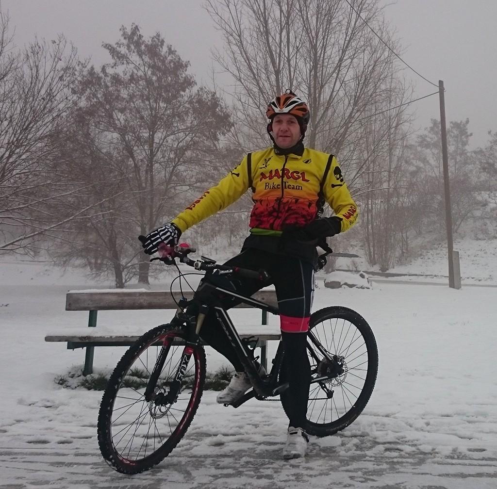 N azačátku února mi cestu do práce komplikoval sníh na cyklostezce